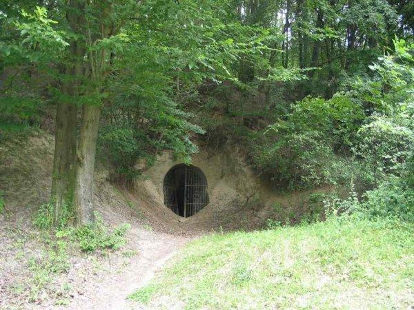 A Szondy-alagút bejárata