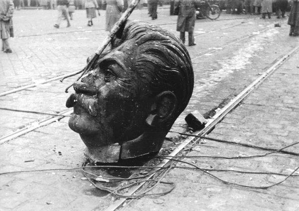 Sztáli szobor